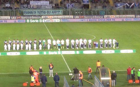 Brescia Entella 2-0 le squadre schierate a centrocampo